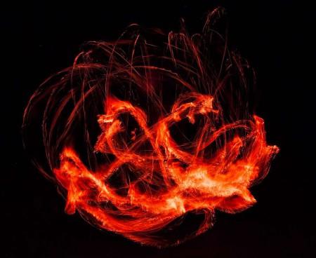 Dlouhá ohnivá expozice