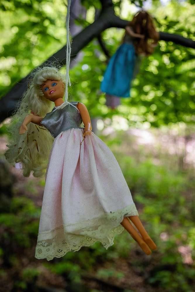 Urbex - panenky na stromě | moje Tajemno